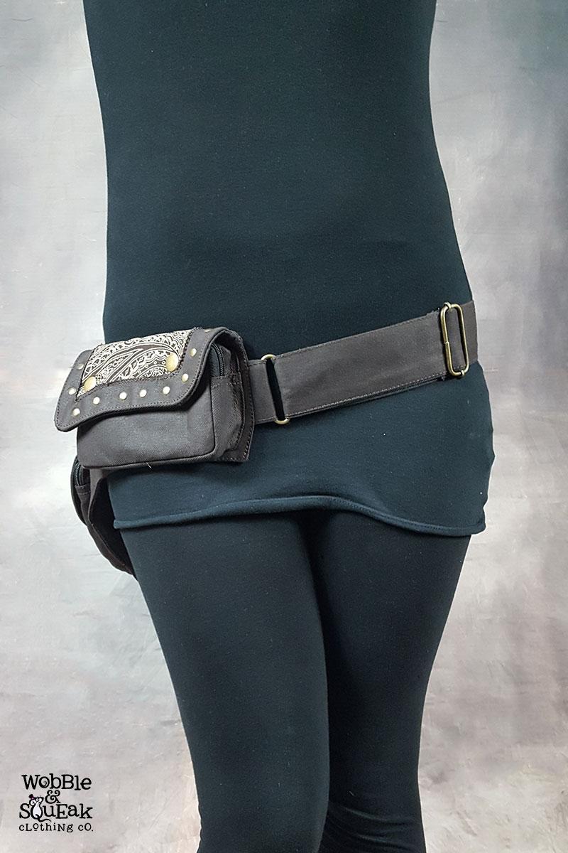 Papaya Pocket Belt Brown